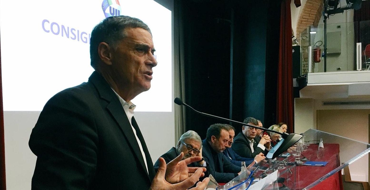 """Rocco Palombella (Uilm) eletto nella Segreteria confederale nazionale della  Uil: """"Onorato di farne parte. Grande riconoscimento per i metalmeccanici"""" -  Uilm"""